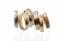 Eheringe aus Gold, Silber und Platin